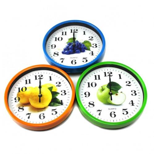 Часы №180 настен. пл. круг. с фрукт. доской (2*18,5*18,5)см 4цв в кор. (60)