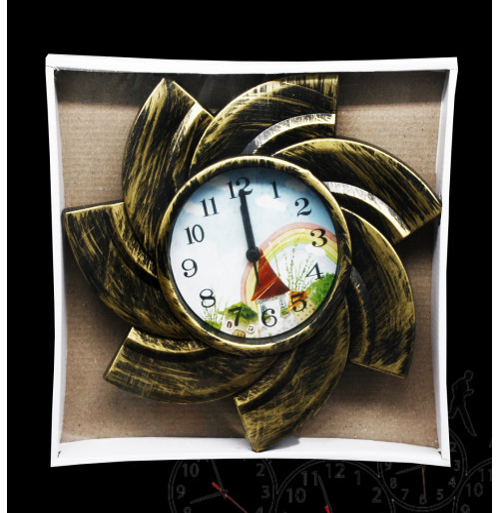 Часы №505А настенные кругл. с пл. кружевой в кор. (14*14*3)см с шум. (40)