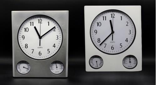 Часы №672 настенные пл. квадр. 2цв. (29.5*15*4.5)см  с шум. (30)